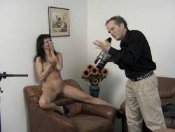 Hause hausfrauen nackt zu Amateure Zuhause